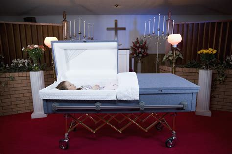 funeral home offers deal for customers dying to travel