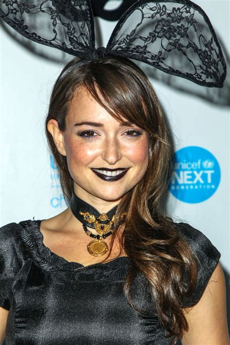 milana vayntrub has stolen our hearts video the lions 83 best images about milano on pinterest the internet