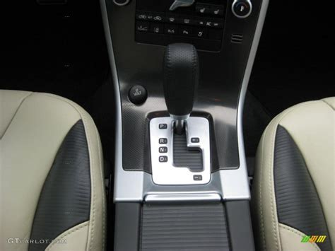 volvo xc  awd  design  speed geartronic automatic transmission photo