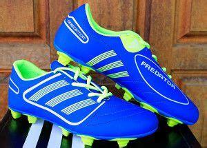 Sepatu Adidas Clasic Biru detail sepatu bola merek adidas color biru code