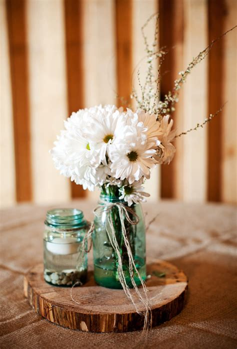 barn wedding on a budget rustic wedding chic - Rustic Wedding Centerpieces On A Budget