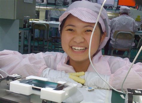 apple factory foxconn to build new apple production line in china
