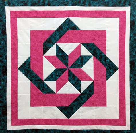 Sewing Quilt Squares by Interlocking Squares Quilt Block Sewing Class