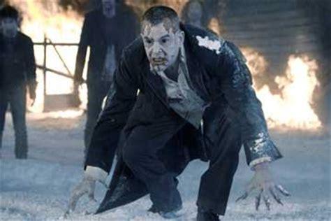 top  winter horror movies   chill  bones hnn