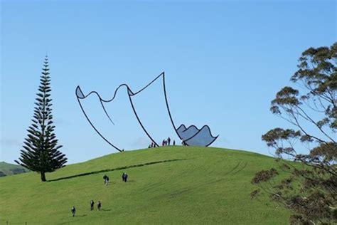 Patung Wisuda Kartun Pria 10 foto ini bikin kamu berpikir dua kali untuk memahaminya awas gagal fokus paling seru