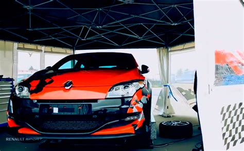 Majorette Racing Cars Renault Megane Coupe N4 renault teases faster megane rs could it be the new r26 r autoevolution