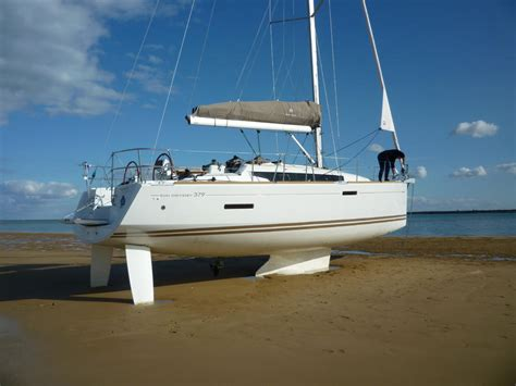 swing keel sailboats for sale 2015 jeanneau 379 sun odyssey swing keel sailboat for sale