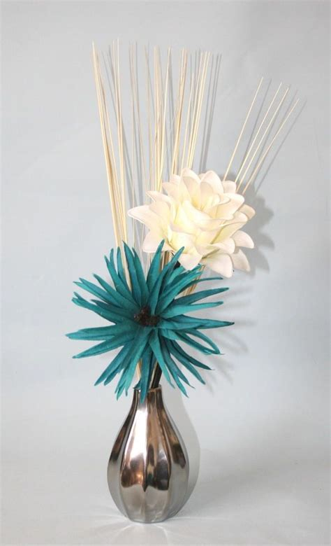 Teal Flowers In Vase by 25 Best Ideas About Teal Home Decor On Living
