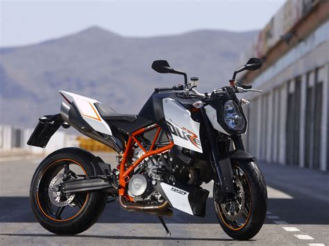 Ktm Bikes Duke Best Top Speed Bike In The World Ktm 990 Duke R 2009
