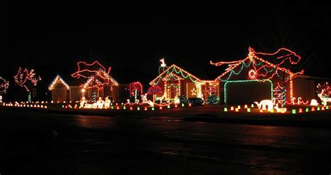 neighborhood christmas lights 2vfaidsa jpg 800 215 425