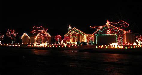neighborhood christmas lights 2vfaidsa jpg 800 215 425