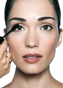 eyeshadow tutorial bobbi brown 97 curated makeup artist bobbi brown ideas by