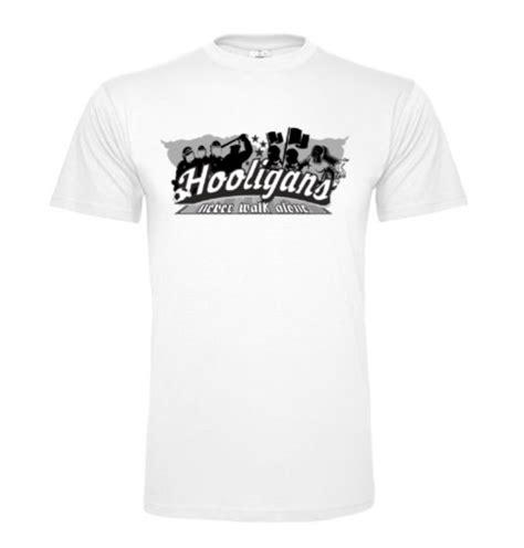 Ultra Aufkleber Gestalten by Hooligan Ultras Bekleidung Tshirt Fussball Aufkleber De