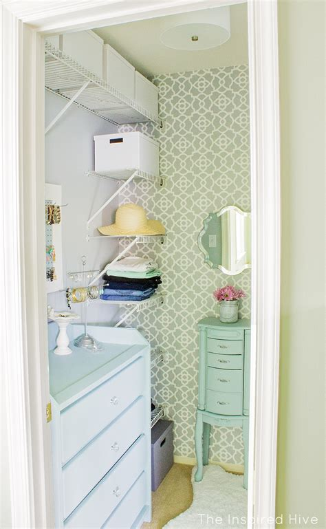 Creative Walk In Closet Ideas by 20 Small Walk In Closet Ideas Makeovers