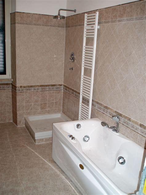 bagni con vasca e doccia foto bagno con vasca e doccia di cpo lavori e restauri
