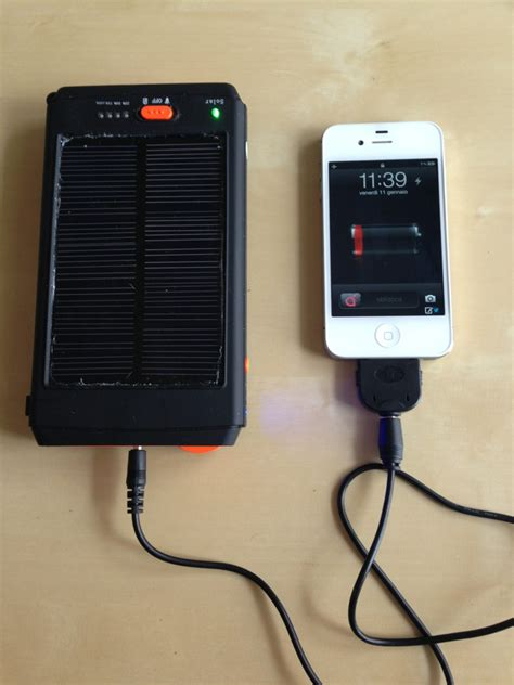 alimentatore iphone 4s ispazio electrevolution caricabatteria solare iphone 4s