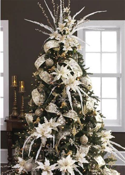 an absolutely stunning christmas tree with white