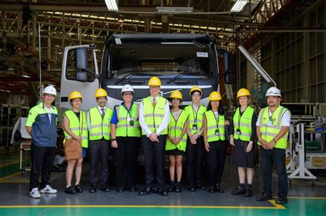 volvo trucks sa embassy visited volvo trucks scandasia