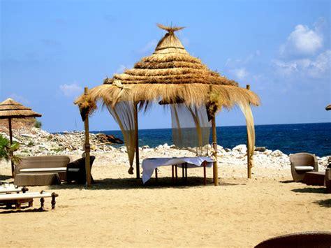gazebo spiaggia arredi per stabilimenti stile africa in canna paglia