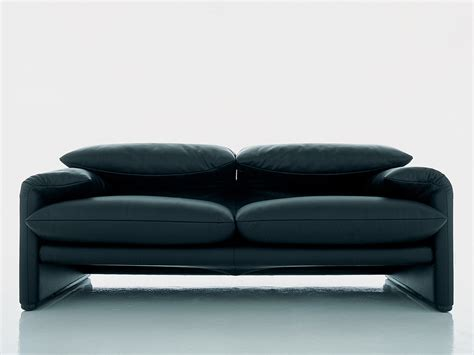 maralunga sofa buy the cassina 675 maralunga two seater sofa at nest co uk