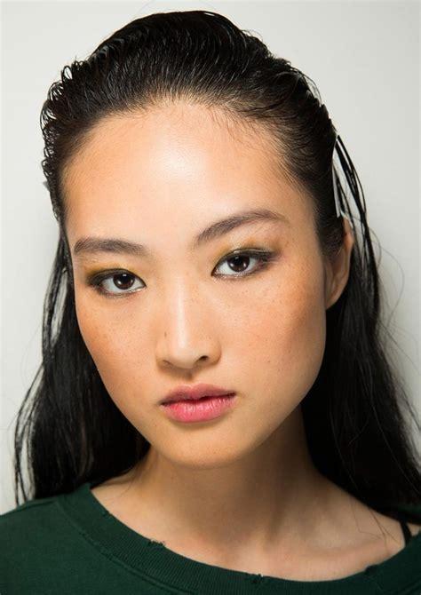 catwalk beauty glossed up eye at altuzarra spring 2017 makeup for life