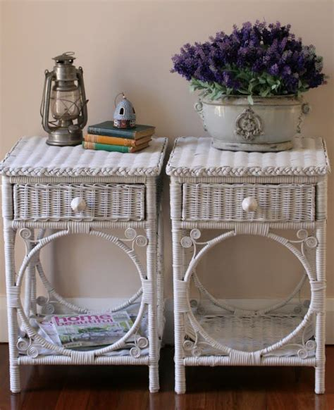 painting wicker bedroom furniture 25 b 228 sta wicker table id 233 erna p 229 pinterest barbiehus
