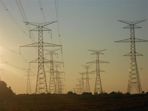 high voltage ontario thousands still without power day after wind ctv