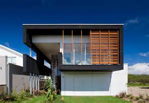 Casual and comfortable black beach house sheoak by base