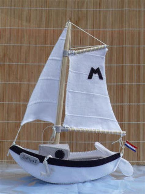 bootje maken van karton items similar to sailing boat quot see quot mouse 1 diy kit on etsy