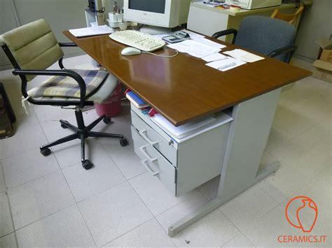scrivania usata ceramics scrivania ufficio usata tinta legno