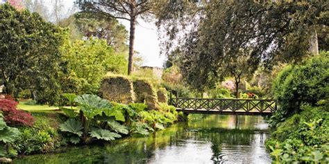 i piã bei giardini mondo il giardino di ninfa il pi 249 bello e romantico mondo