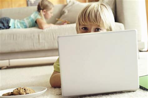 Giochi Da Fare In Casa Da Soli by Figli In Casa Da Soli Quando Cominciare Style It