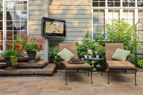 Tv Outside On Patio by Outdoor Tv Enclosure For Your Outdoor Entertainment Area