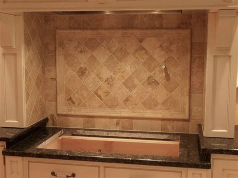 kitchen backsplash travertine tile 62 best tile backsplashes images on kitchens