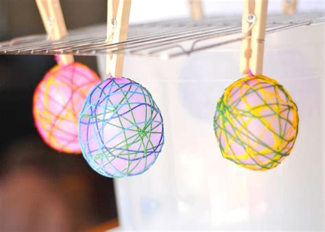 String Balloon - cool craft string easter eggs craftwhack