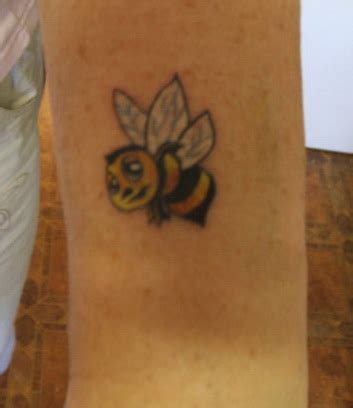 small bumble bee tattoo bee tattoos and designs