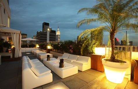 the sky room nyc the 8 best new york city rooftop bars fodor s travel