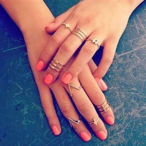 mid finger rings tumblr trend alert mid knuckle rings or midi rings manicure