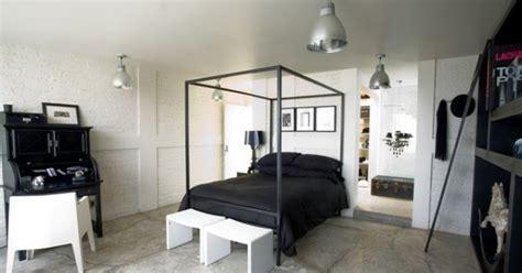 desain kamar tidur hitam putih desain gambar furniture rumah minimalis modern terbaru harga