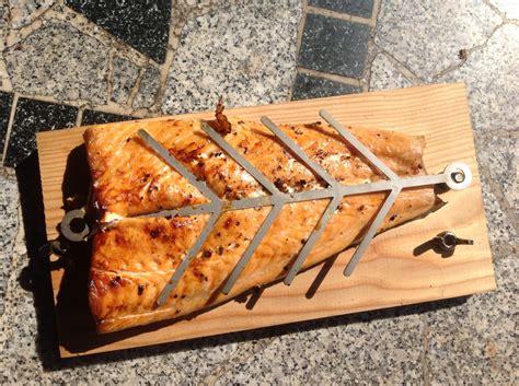 Fish Bone Grill by Fishbone Flammlachs Grillforum Und Bbq Www