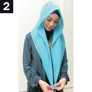 Segi Empat Mezora 7 cara memakai jilbab segi empat trendy 7 gambar