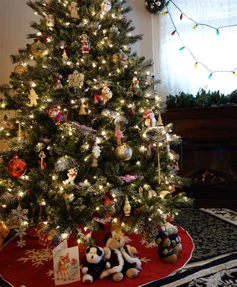 aspen spruce artificial flocked christmas tree tree classics
