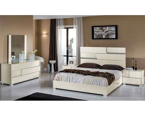 italian modern bedroom sets modern italian beige bedroom set 44b112set