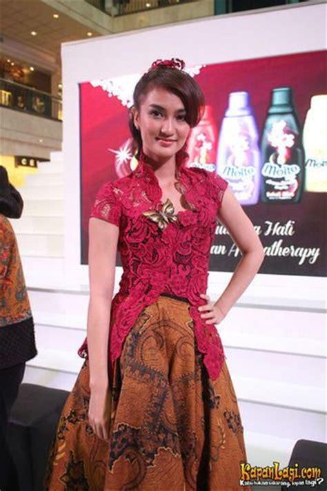 Kebaya Bordir Kutu Baru Warna Jumbo Lengan 3 4 Kode Sr 371 121 best images about kebaya dan batik indonesia on