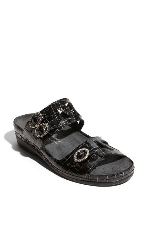 helle comfort sandals helle comfort 174 tota sandal in black black rumi lyst