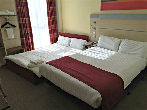 bedroom expression review holiday inn express in hull city centre