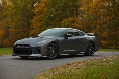 nissan gtr 2018 nissan gt r becomes 10k more affordable with new