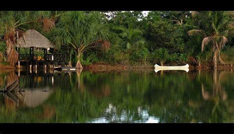 imagenes naturales del peru lago lindo adornando los paisajes de la selva peruana fotos