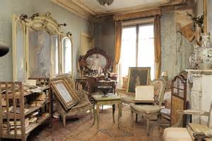 Pennsylvania House Dining Room Set Untouched Paris Apartment Discovered After 70 Years