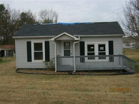 24 forest hill rd nc 27295 foreclosed home